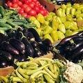 ?Цветная, яркая, вкусная! Открытая Ярмарка @petrovskyfermersky на Петровском! ??<br>Все самое спелое и ароматное, прямиком из фермерских хозяйств ?☺️<br>Персики, нектарины, сливы, яблоки, арбузы, дыни, перцы, помидоры, огурцы, картошка, зелень! Лето на Петровском!☺️?????? Присоединяйтесь ?☺️?<br>