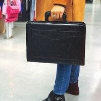 Или если Ваш стиль-деловой 😉<br>Отличные,качественные сумки, чемоданы, портфели, рюкзаки и кошельки с Шелкового Пути @shelkovy_put56 точно Вас не оставят равнодушными 😎⛩️ Место А1 ⛩️<br>Ждем Вас за покупками!)<br>